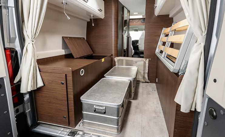 Karmann Davis 590 úložný prostor