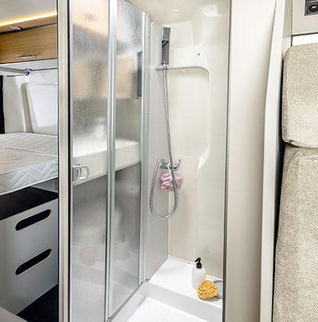 Karmann Dexter 580 koupelna 2