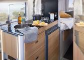 Karmann Dexter 570 kuchyňka